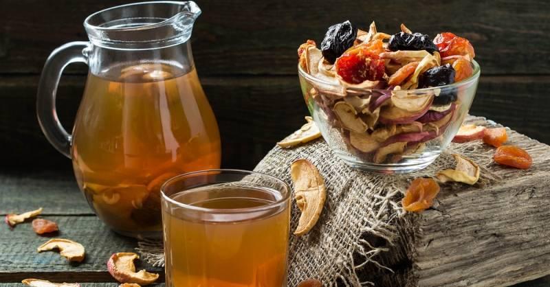как сварить компот из сушеных яблок в кастрюле